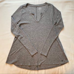 50% OFF Hollister Gray Long Sleeve Top VNeck Small